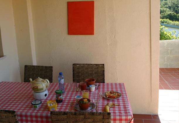 Ontbijt op veranda Balanchinho